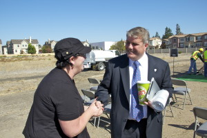 Vice Mayor Griffith talks with Morse Park resident Shauna McGuinness (that's her complex in the back left).